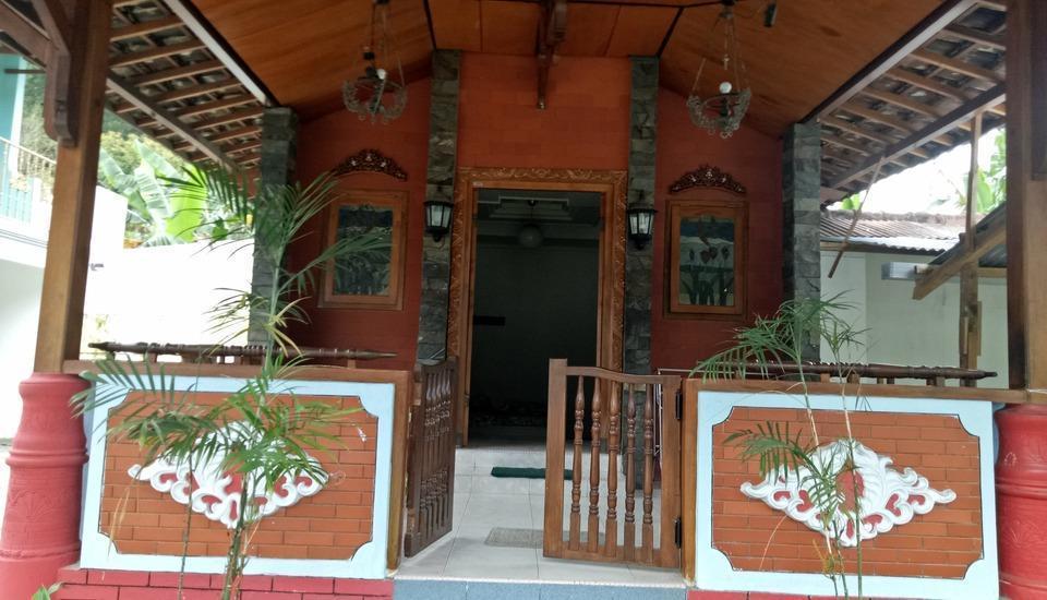 Villa Rini Malang - vip room