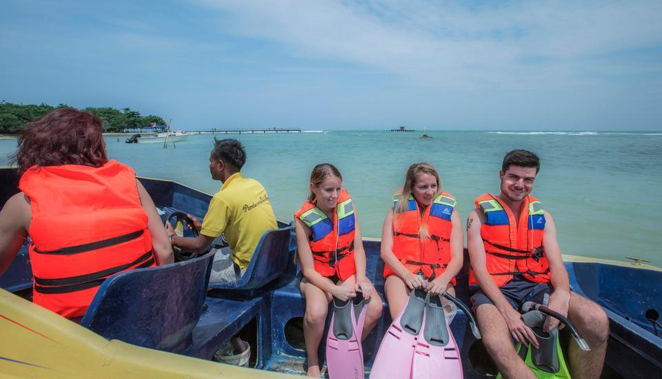 Green Coral Beach Camping Ground Tanjung Lesung Pandeglang - Snorkling