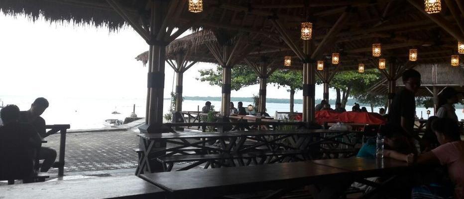 Green Coral Beach Camping Ground Tanjung Lesung Pandeglang - Restoran