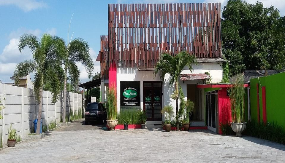 Hotel Tirta Sanita Yogyakarta - Tampilan Luar Hotel