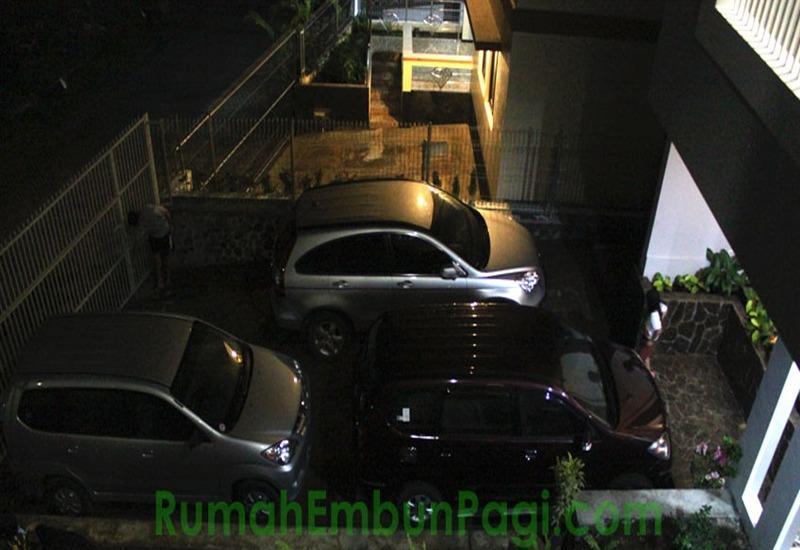 Rumah Embun Pagi Malang - Area parkir