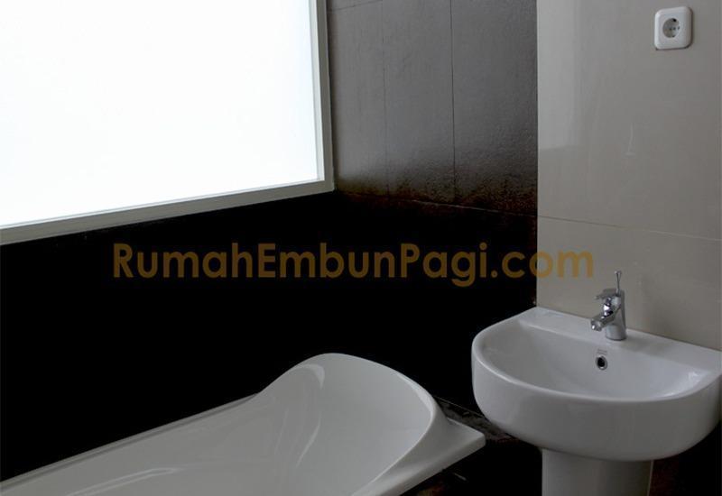 Rumah Embun Pagi Malang - Bak mandi