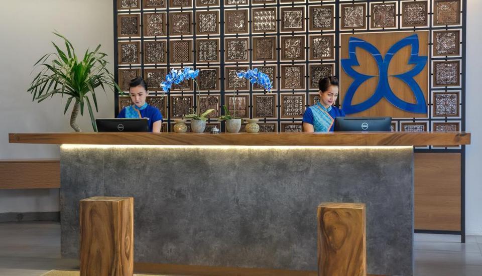 BATIQA Hotel Palembang - Reseptionist