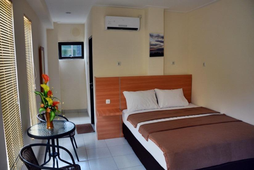La Riss Guesthouse Makassar - Deluxe Room Promo