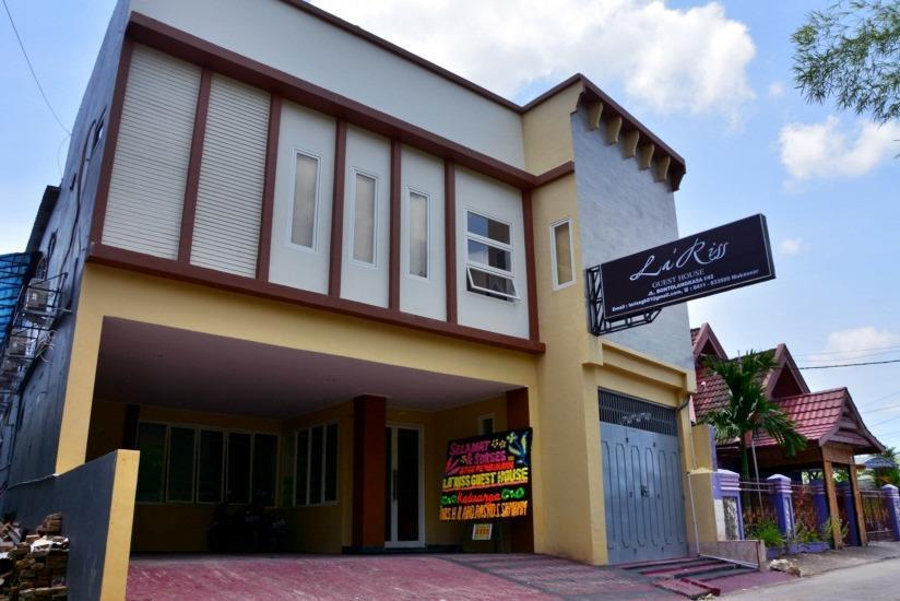 La Riss Guesthouse Makassar - Tampilan Luar Hotel