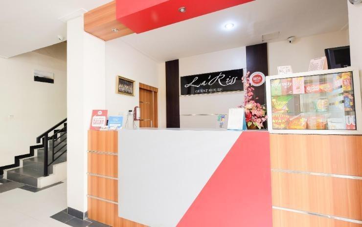 La Riss Guesthouse Makassar - Receptionis