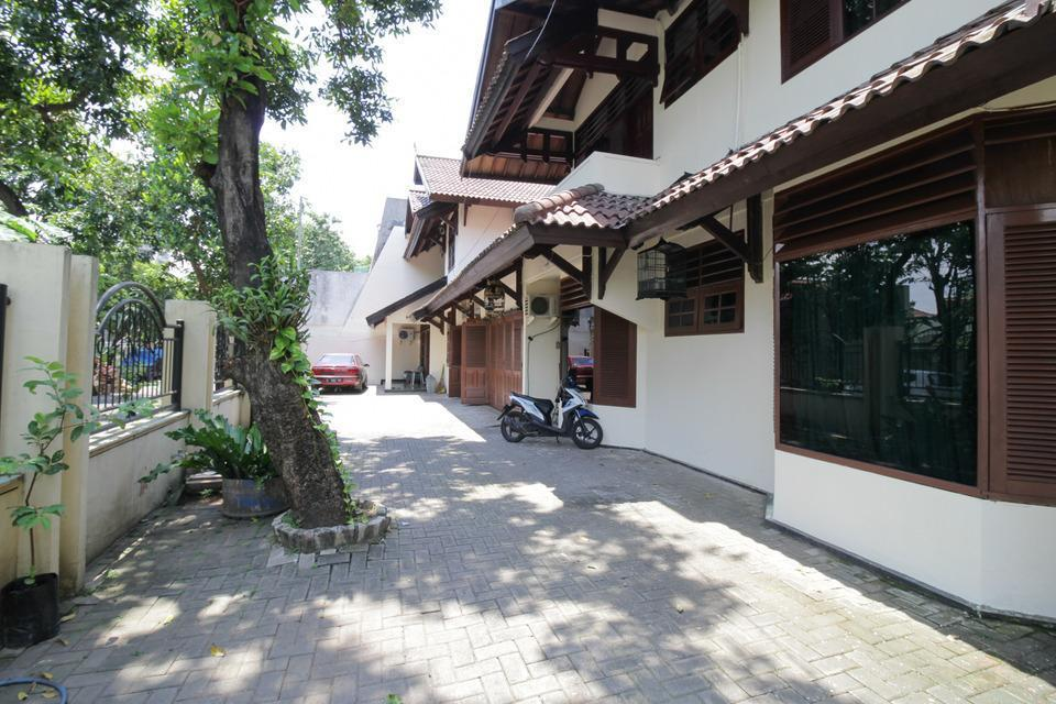 Airy Eco Syariah Kertomenanggal Sembilan 18 Surabaya - Parking