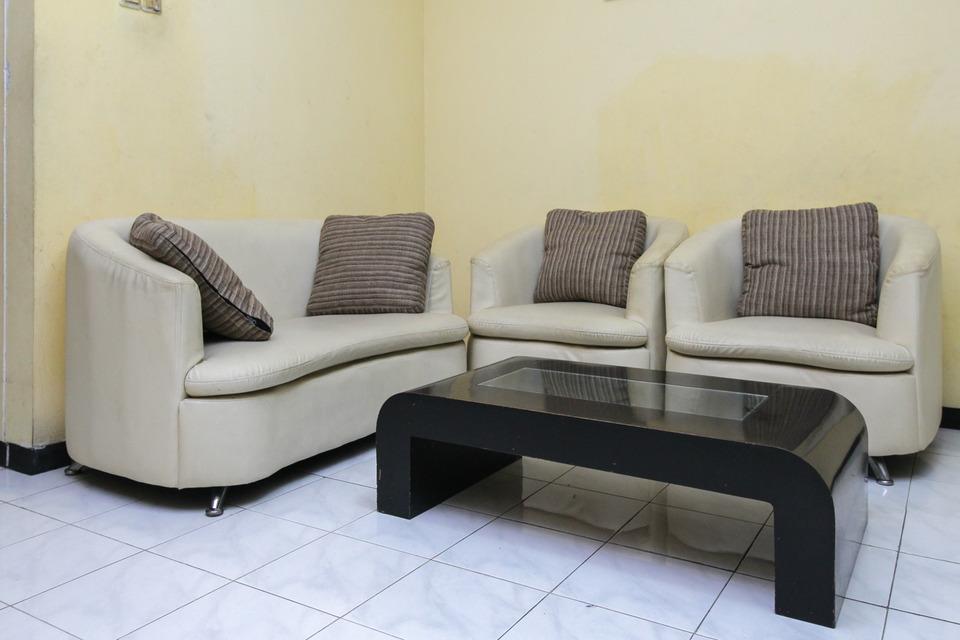 Airy Eco Syariah Kertomenanggal Sembilan 18 Surabaya - Living Room