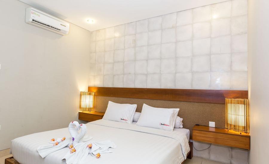 RedDoorz Near Sanur Beach Bali - RedDoorz Room Special Promo Gajian