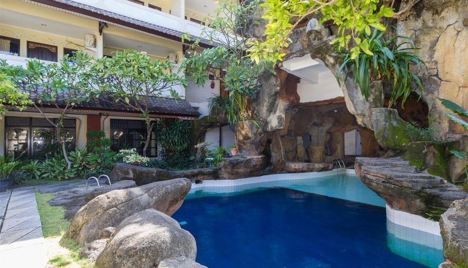 RedDoorz @Arjuna Double Six Bali - Kolam Renang