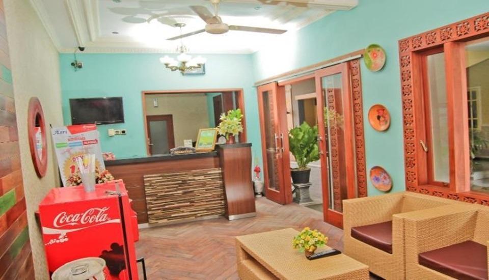 Hotel Asri Jember - Loby