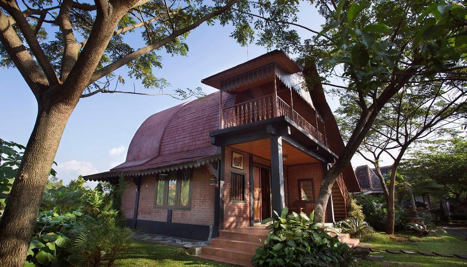 Balemong Resort Semarang - Rumah Lombok