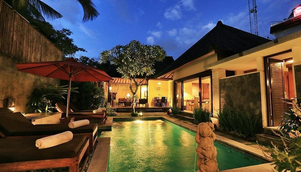 The Sanyas Suite Bali - Kolam renang di Royal Suite Villa