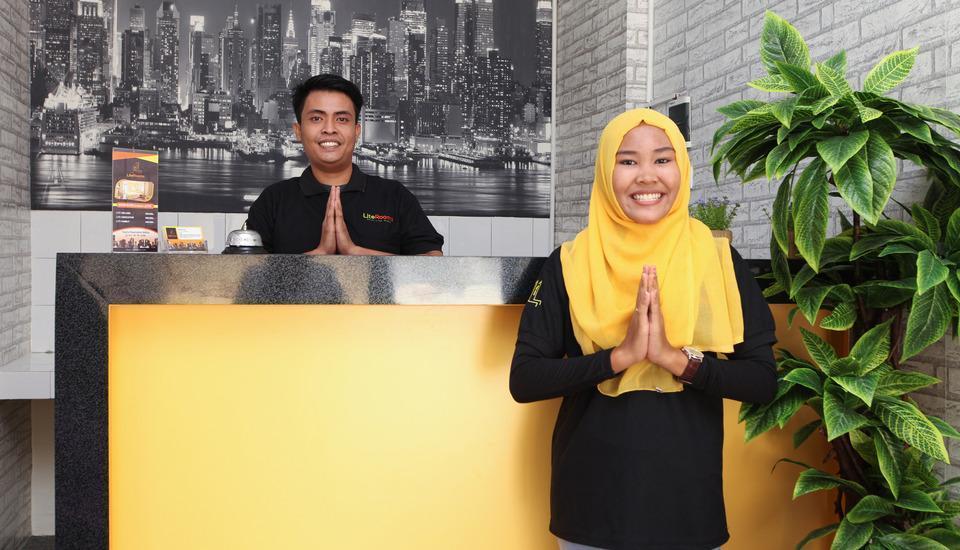 Literooms Bekasi - 24/7 Reservasi staff