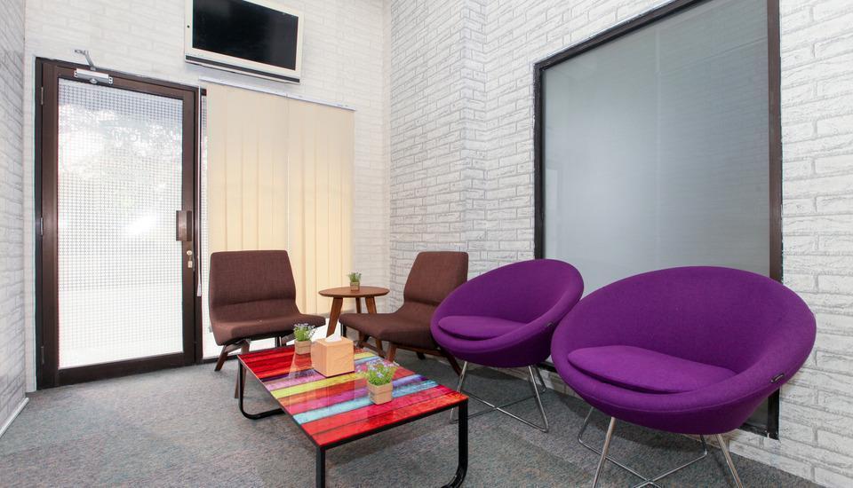 Literooms Bekasi - Lobby Lounge