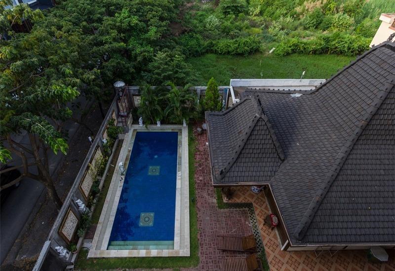RedDoorz @Dewi Sri Kuta Bali - Kolam Renang