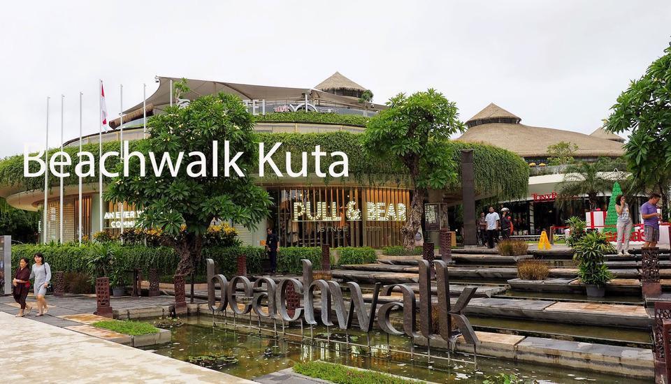 RedDoorz @Dewi Sri Kuta Bali - Beachwalk Kuta