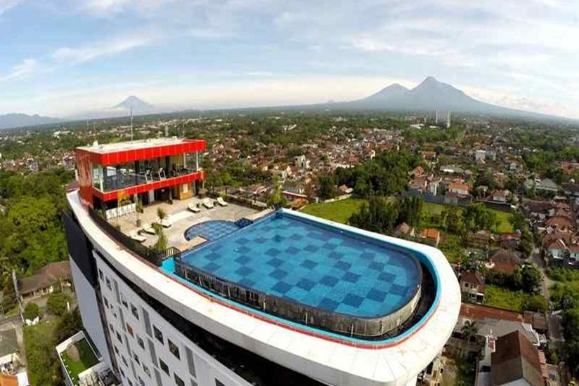 Indoluxe Hotel Yogyakarta - Tampilan Luar Hotel