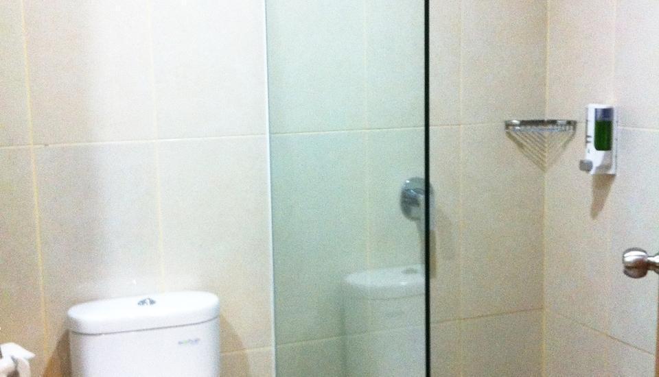 Evora Hotel Surabaya - Kamar mandi