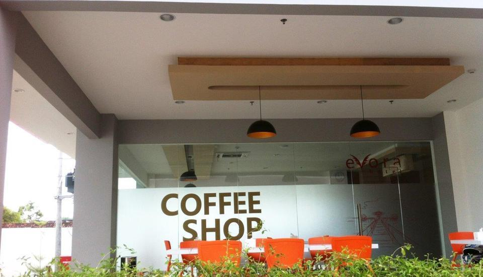 Evora Hotel Surabaya - Kedai kopi