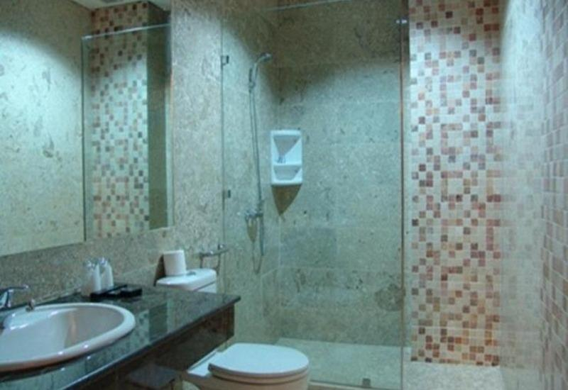 Hotel Gren Alia Prapatan Jakarta - Kamar mandi