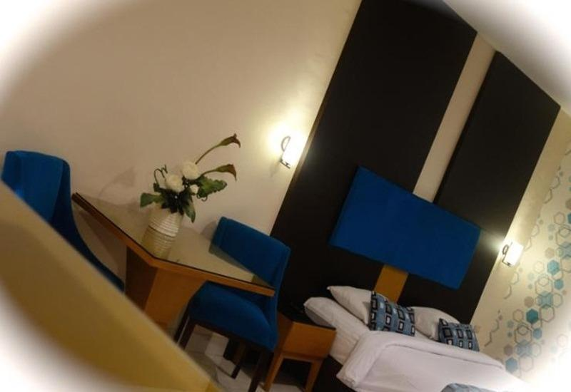Hotel Gren Alia Prapatan Jakarta - Kamar tamu