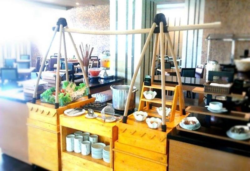 Hotel Gren Alia Prapatan Jakarta - Makanan