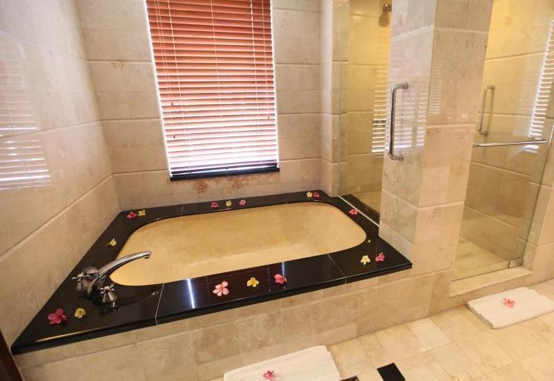Pool Villa Club Senggigi - Kamar mandi