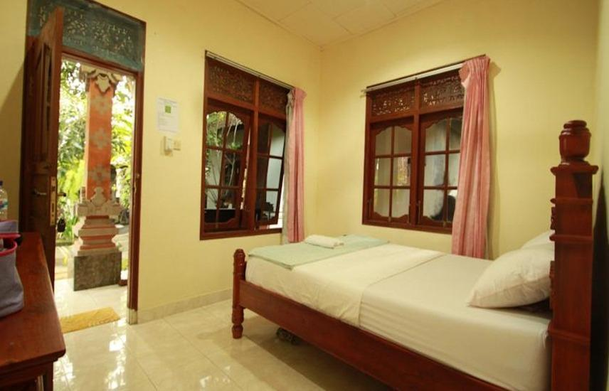 Suparsa's Home Stay Bali - Superior AC Regular Plan
