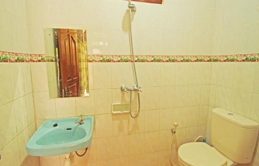 Suparsa's Home Stay Bali - Kamar mandi