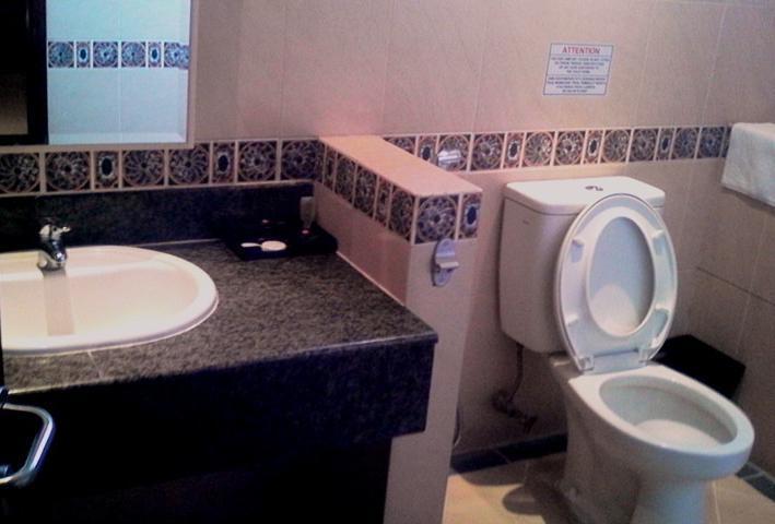 NIDA Rooms Martha D'Nata Business Ancol - Kamar mandi