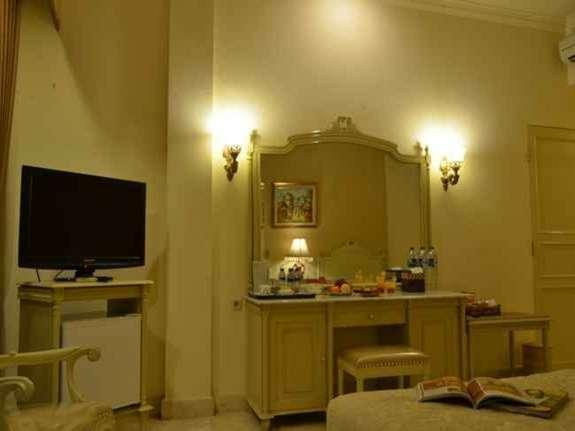 Hotel Indah Palace Solo - Business Room Regular Plan