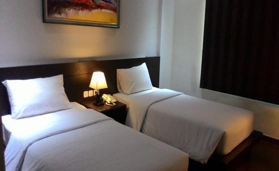 Sutan Raja Guest House Bandung - Kamar tamu