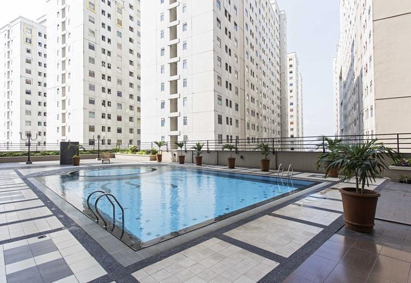 RedDoorz Apartment @ Pegangsaan Kelapa Gading 2 Jakarta - Kolam Renang