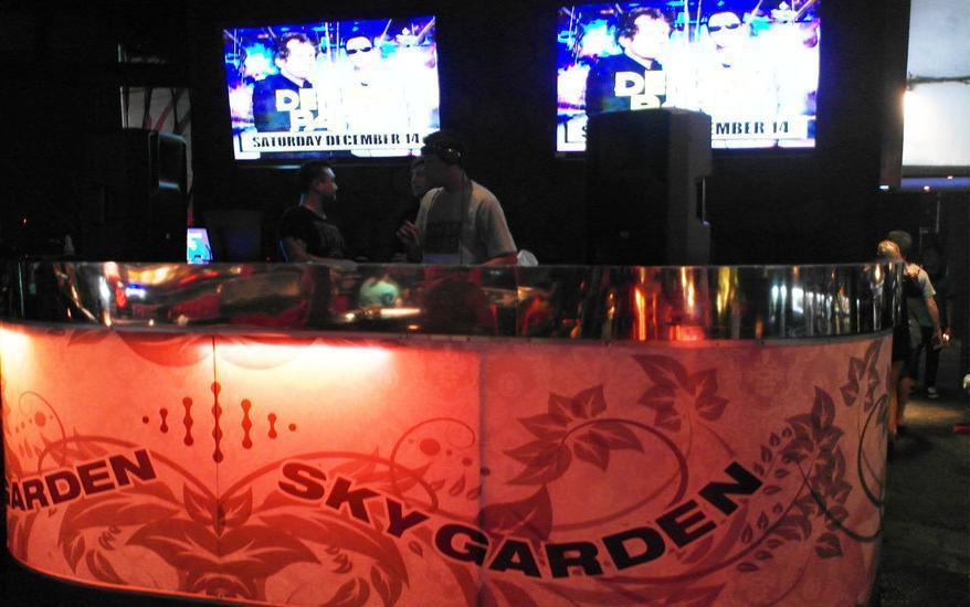 RedDoorz near Ground Zero Legian Bali - Sky Garden