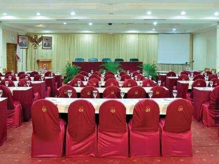 Cendana Premiere Hotel by Lariz Surabaya -