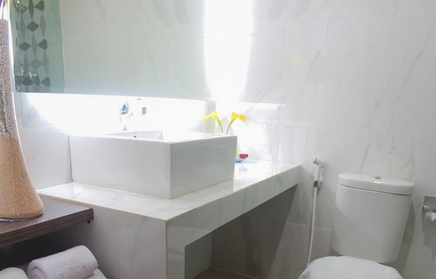 Hotel Cendana Surabaya - Kamar mandi