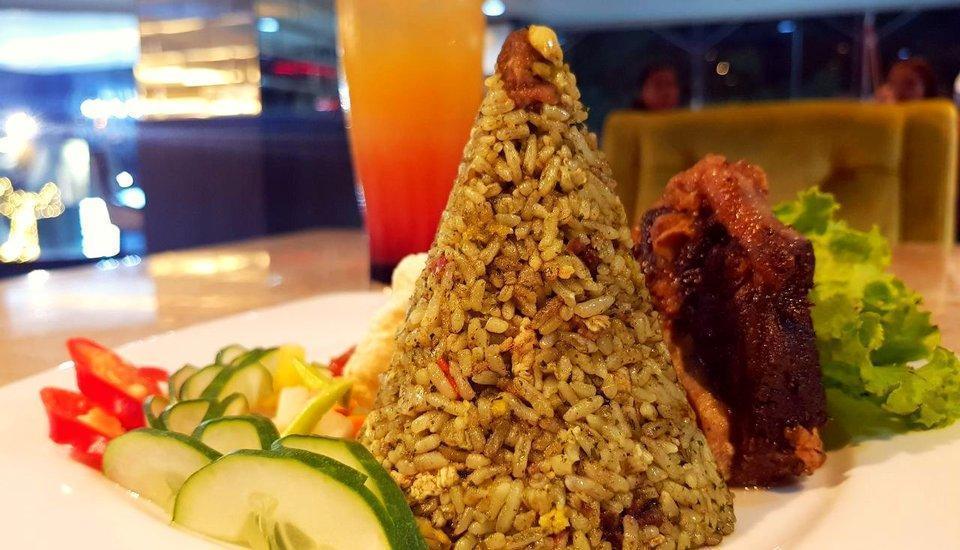 Cendana Premiere Hotel by Lariz Surabaya - Makanan