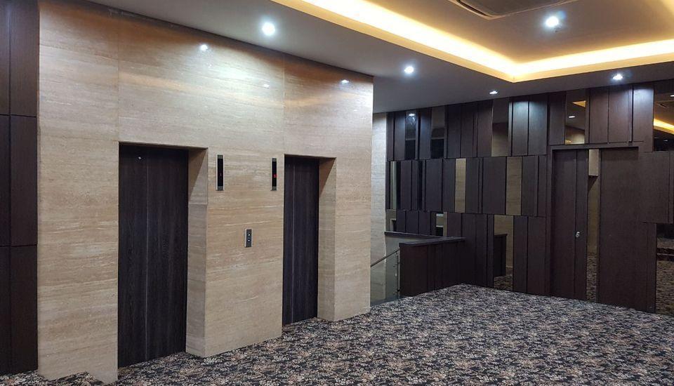 Cendana Premiere Hotel by Lariz Surabaya - Area Umum
