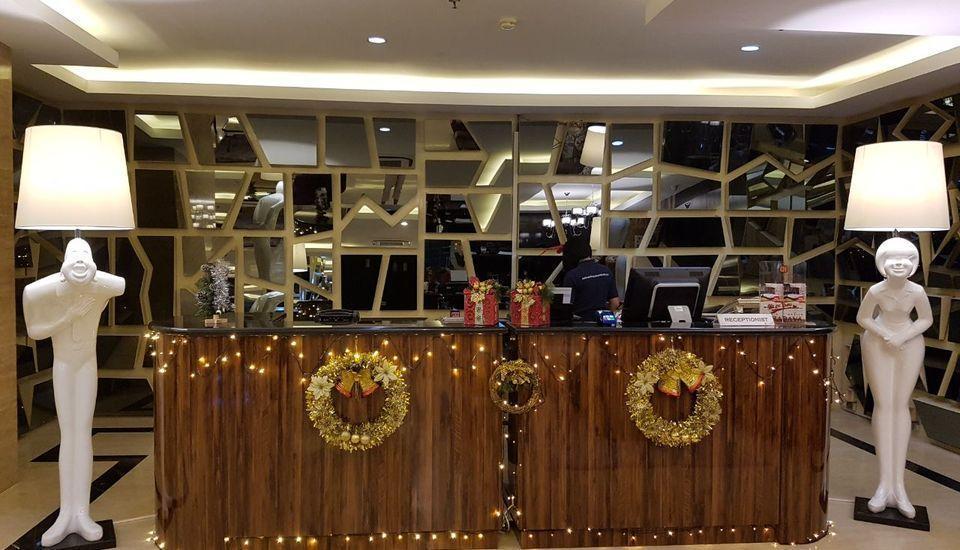 Cendana Premiere Hotel by Lariz Surabaya - Lobi