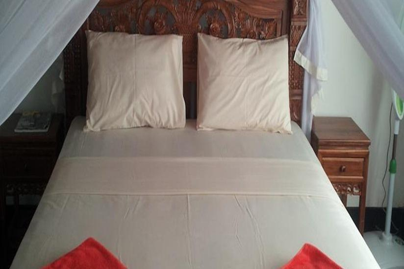 Nyoman Warta Hotel Bali - Kamar tamu