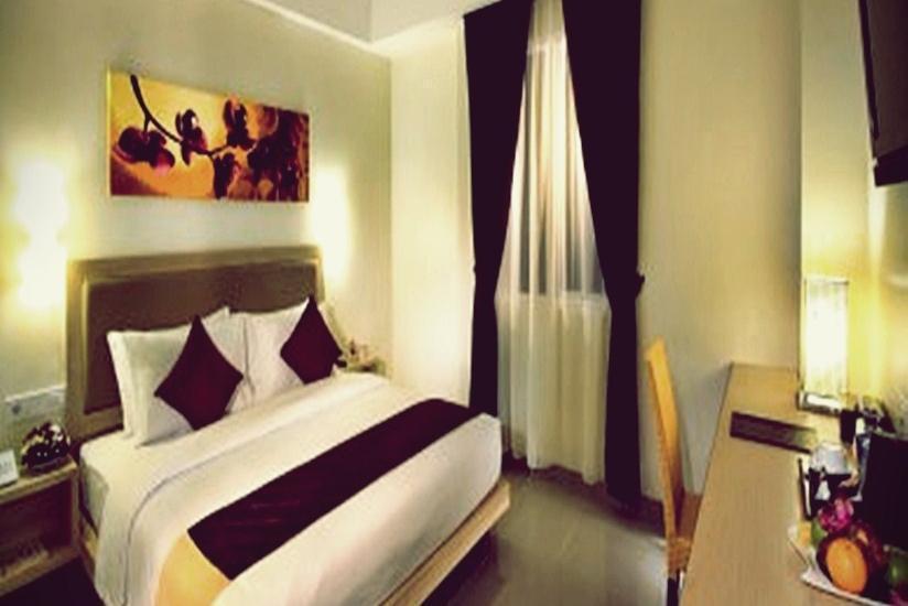 Orchardz Hotel Ayani Pontianak - Deluxe Room #WIDIH - Pegipegi Promotion