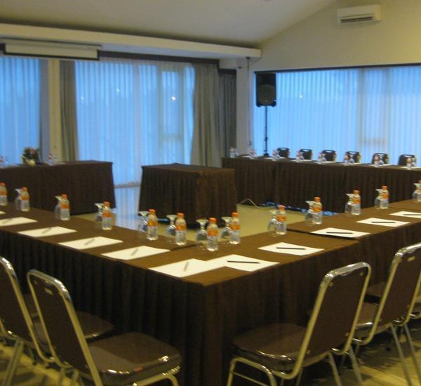 Cassadua Hotel Bandung - Meeting Room