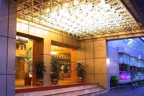 Hotel Polonia Medan - Pintu Masuk