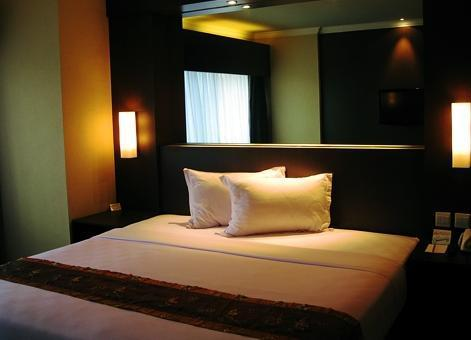 Hotel Polonia Medan - Suite Room SAVE 40%
