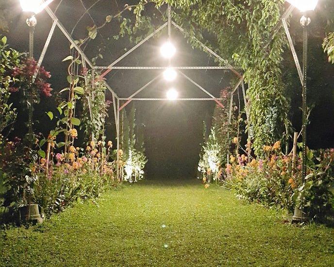 Villa Bunga Merah Gelatik Gelatik - Night View
