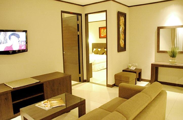 Summer Hill Private Villas & Family Hotel Bandung - Living Room Villa