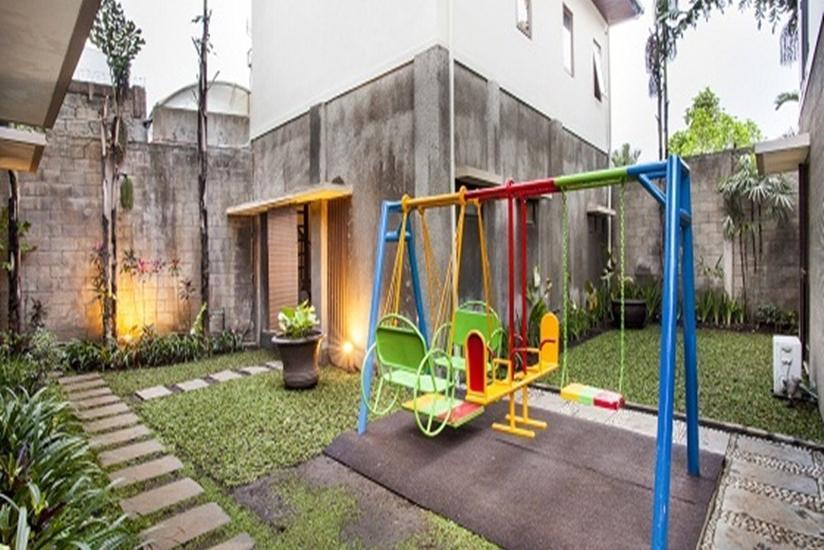 Summer Hill Private Villas & Family Hotel Bandung - Kids Playground