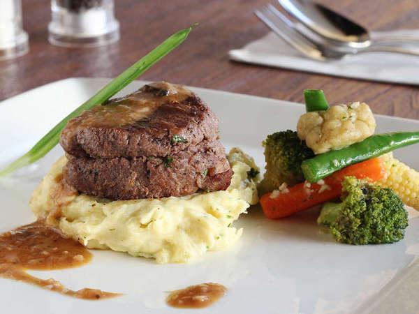 Adhi Jaya Sunset Hotel Bali - Beef Thenderlion Ambassador