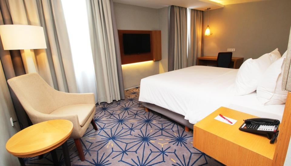 Swiss-Belhotel Pondok Indah - Superior Deluxe Room Sweet Feb' Promo 40%
